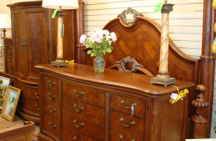 Furniture Consignment